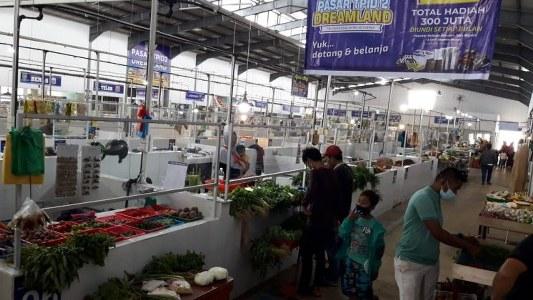 Pasar TPID 2 DREAMLAND Di Batu Aji dengan harga terjangkau masyarakat.