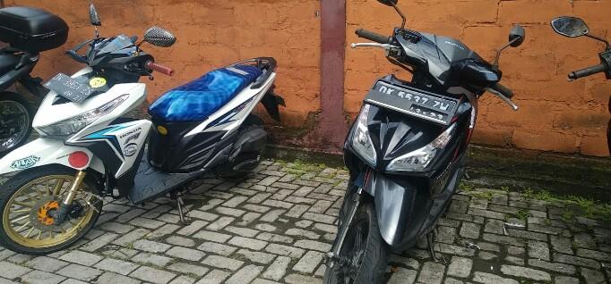 Barang Bukti 2 Buah Sepeda Motor Matik berhasil diamankan Polsek Mendoyo