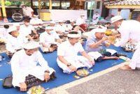 Bupati, I Nengah Tamba dan Wakil Bupati, I Gede Ngurah Patriana Krisna hadiri Pujawali di Pura Segara Desa Pengambengan
