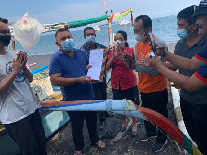 Ket poto, Penandatanganan SK Pencanangan Desa Candikusuma sebagai kampung kerapu oleh Bupati Jembrana