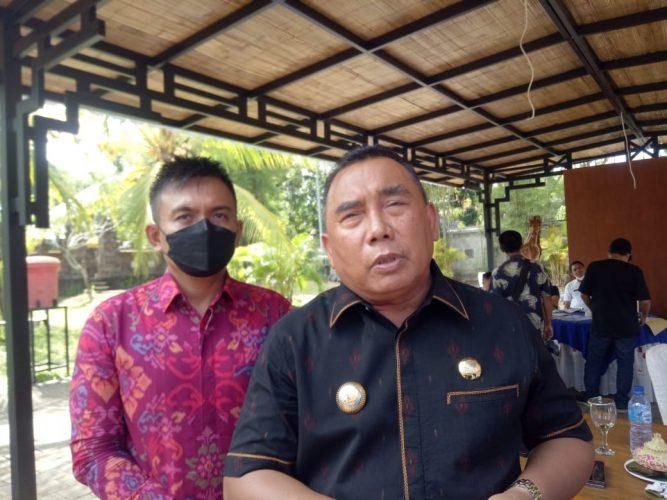 Ket poto, Bupati Jembrana I Nengah Tamba SH didampingi oleh Wakil Bupati I Gede Ngurah Patriana Krisna